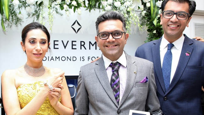 Karisma Kapoor Launches the Forevermark Festive Collection at OM Jewellers