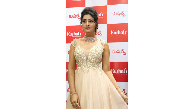 Tollywood Actress Payal Rajput Inaugurates Kushal's Fashion Jewellery Flagship Store at Jubilee Hills, Hyderabad