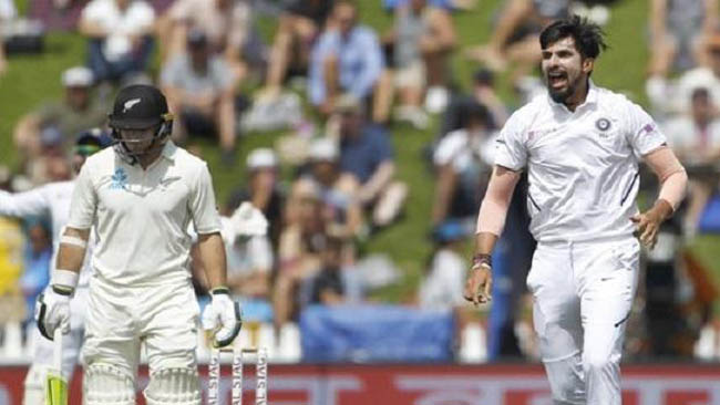 ishant-picks-up-two-williamson-looks-solid-as-nz-reach-116-2-at-tea