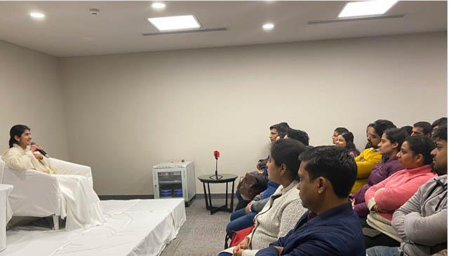 ब्रहमा कुमारी शिवानी द्वारा माता पिताओ के लिए इंटरैक्टिव सत्र का आयोजन