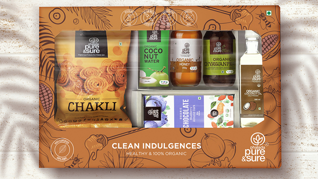 this-festive-season-gift-your-loved-ones-a-healthy-and-100-organic-clean-indulgences-gift-box-from-phalada-pure-and-sure