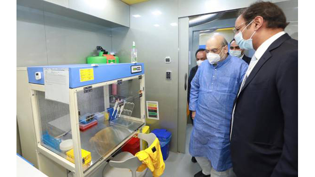 union-home-minister-shri-amit-shah-inaugurated-mobile-covid-19-rt-pcr-lab-jointly-developed-by-spicehealthand-the-indian-council-of-medical-research-icmr