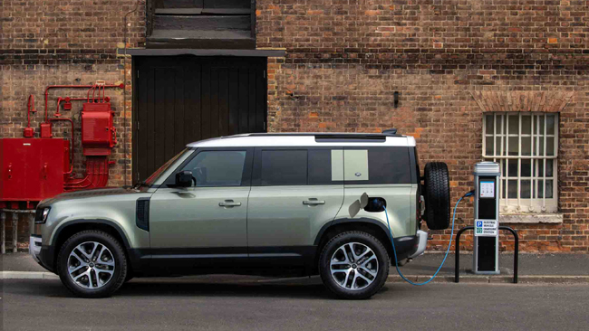 LAND ROVERc OPENS BOOKINGS FOR DEFENDER PLUG-IN HYBRID IN INDIA