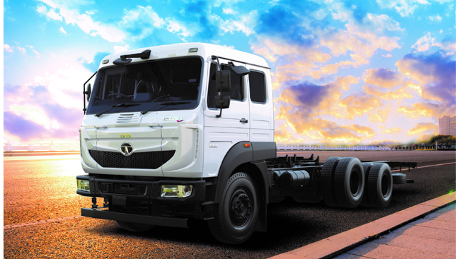 Tata Motors launches India's first 3-axle 6x2 truck with 31-tonne gross vehicle weight Tata Signa 3118.T