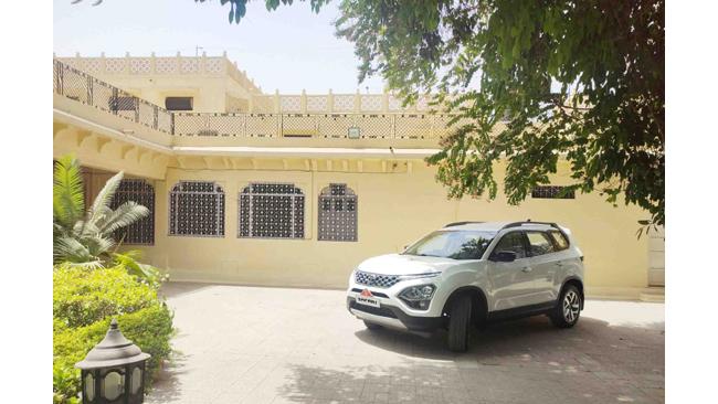 Tata Motors delivers the All-New Safari to Rani Sahiba Mahendra Kumari Ji, of Jodhpur
