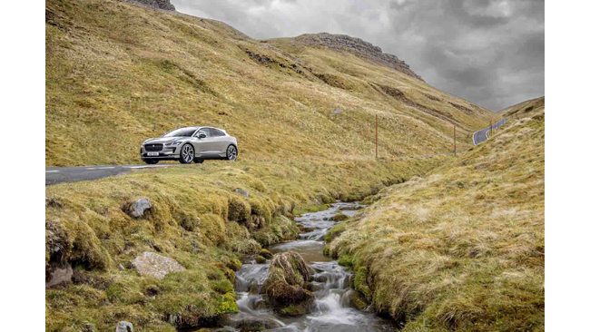jaguar-i-pace-completes-everesting-challenge-on-a-single-charge-with-olympic-cycling-ace-at-the-wheel