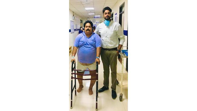 125 किलो वजनी मरीज की जटिल हिप रिप्लेसमेंट सर्जरी, नारायणा हॉस्पिटल ने किया चलना फिरना संभव