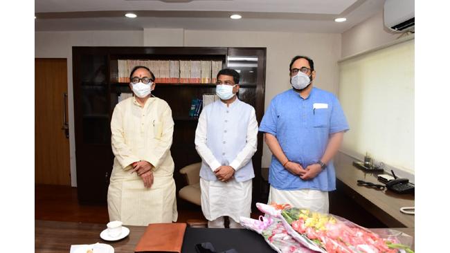 dharmendra-pradhan-takes-charge-as-minister-of-skill-development-and-entrepreneurship