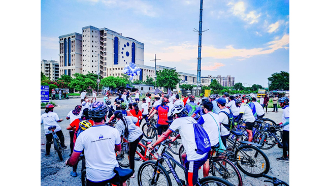 नारायणा मल्टीस्पेशियलिटी हॉस्पिटल ने किया शहर को साइक्लिंग के लिए प्रेरित, आयोजित की साइक्लोथोन