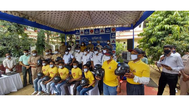 नारायणा हॉस्पिटल, जयपुर व यातायात पुलिस जयपुर करेगा दुपहिया वाहन चालकों को ट्रैफिक नियमों के प्रति सतर्क