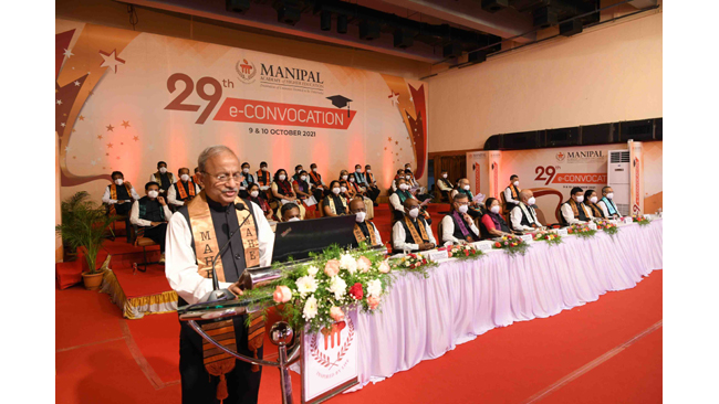dr-santa-jeremy-vice-chancellor-of-the-university-of-british-columbia-inaugurates-of-29th-convocation-day-of-mahe